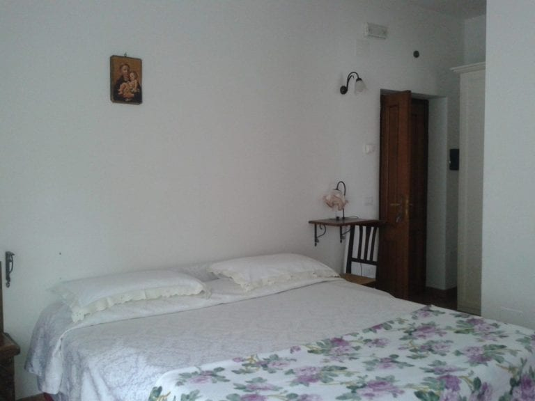 camera bed and breakfast cascia marzo